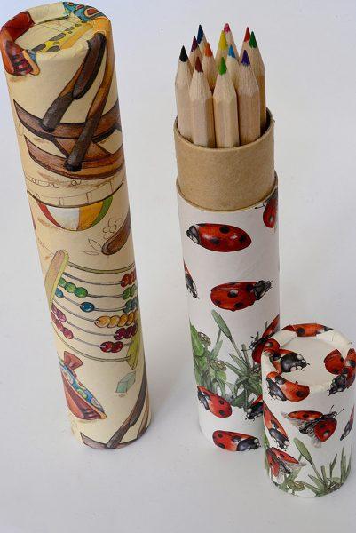 Matite colorate in tubo