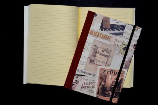 Quaderni con elastico